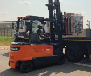Doosan_All-weather_All-ELectric_Forklift.jpg